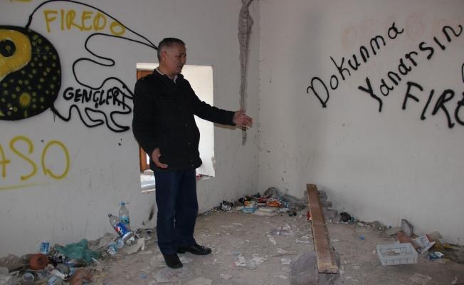 700 yıllık darphane binası kaderine terk edildi