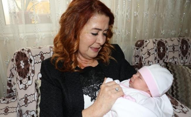 Ailelerin bebek mutluluklarına ortak oluyorlar