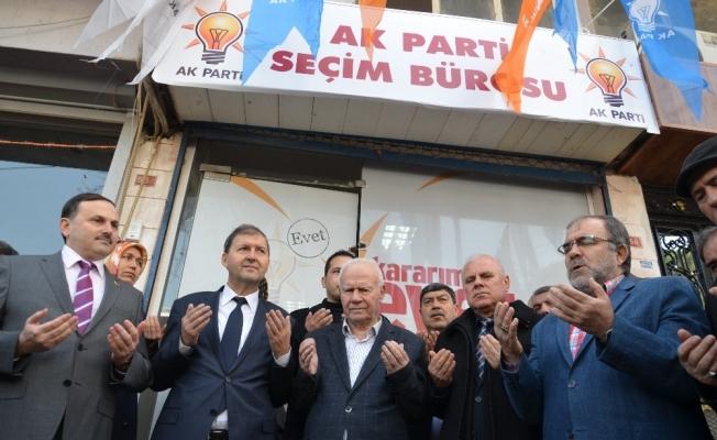 AK Parti Soma teşkilatından 'Evet' bürosu