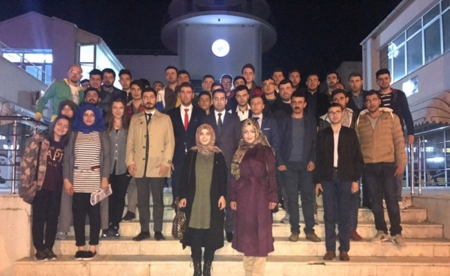 AK Parti'li gençlerden Demirci çıkarması