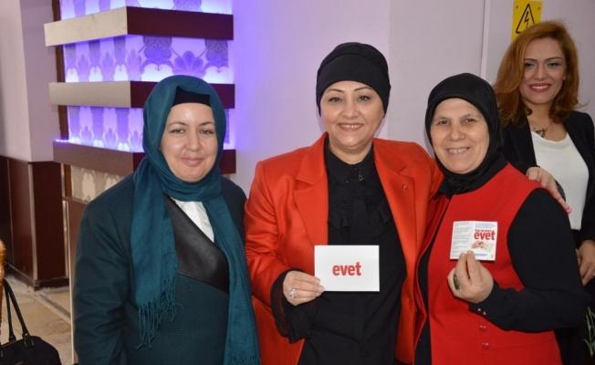 AK Partili kadınlar referanduma kadar sahada olacak