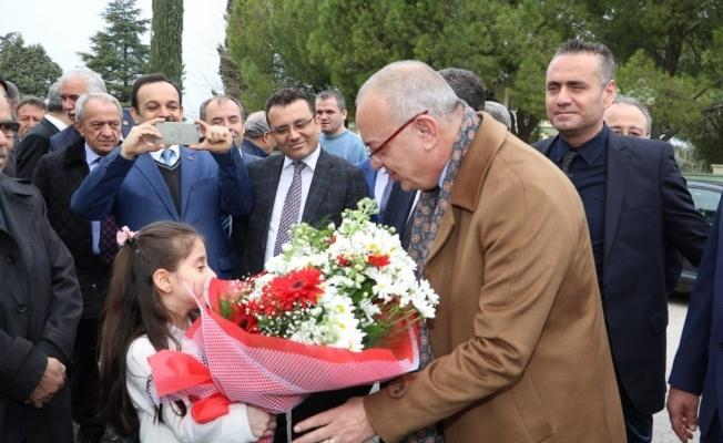 Başkan Ergün Çobanisalı öğrencileri sevindirdi