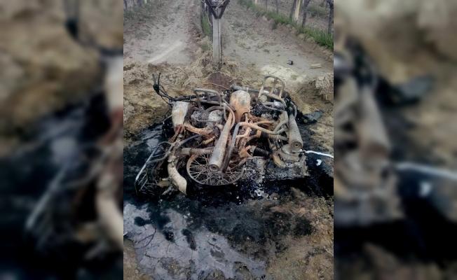 Sarıgöl'de çalınan iki motosiklet yakılmış halde bulundu