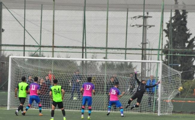 Yunusemre Belediyespor play-off'lara galibiyet ile başladı