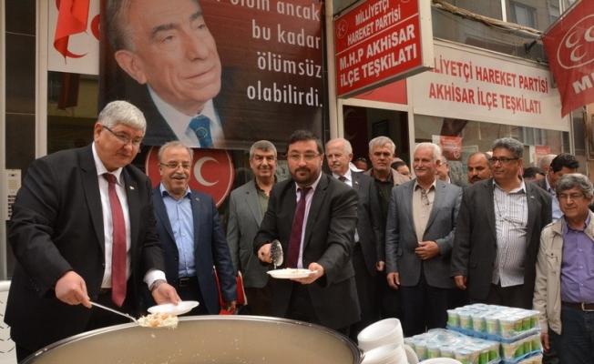 Alparslan Türkeş Akhisar'da anıldı