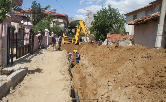 Sağlıksız kanalizasyon hatları yenilendi