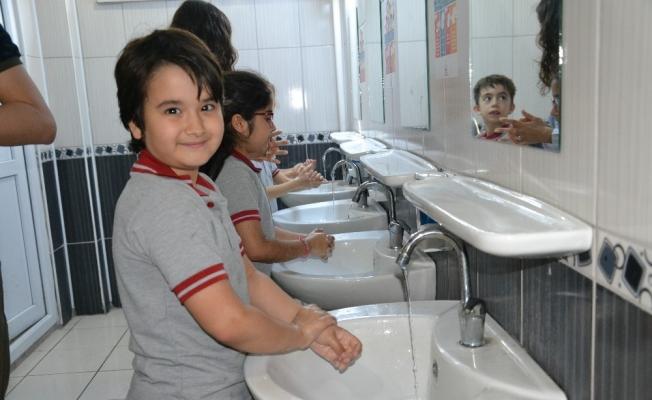 Doğru el yıkama tekniklerini öğrendiler