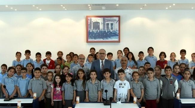 Öğrenciler Salihli Belediyesi'nde ders gördü