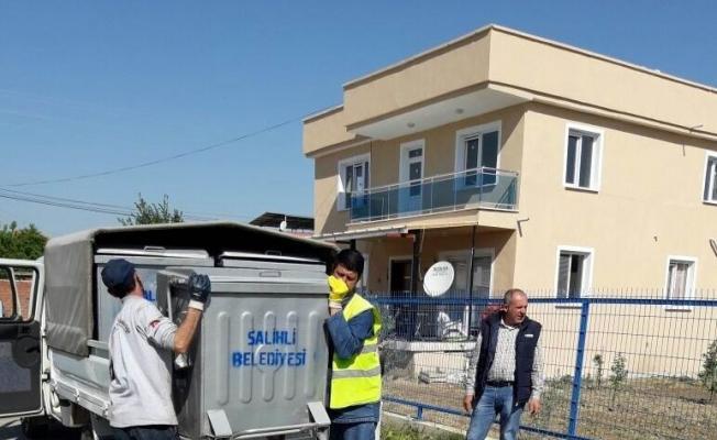 Salihli'de 14 mahalleye 300 çöp konteyneri
