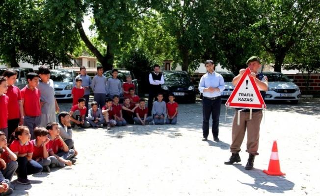 Sarıgöl'de jandarmadan trafik eğitimi