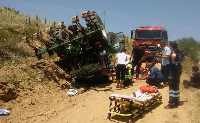 Devrilen traktörün altında kaldı: 1 yaralı