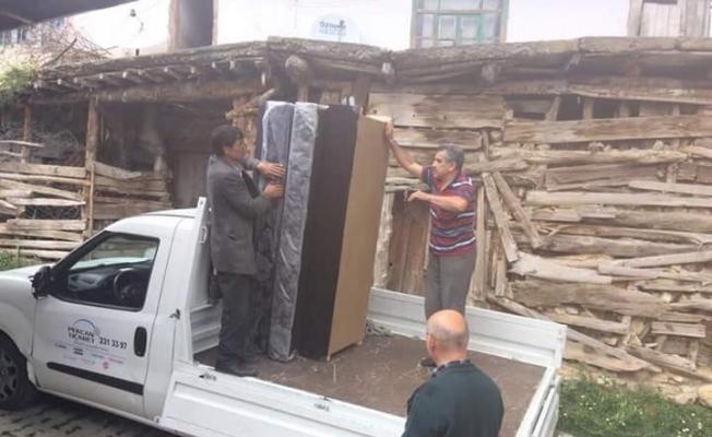Eşyaları yanan aileye Manisa Büyükşehir'den yardım eli