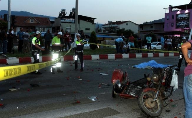Manisa'da feci kaza: 2 ölü
