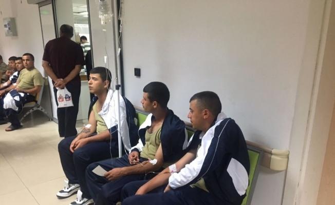 Manisa'da hastaneye sevk edilen asker sayısı 69'a yükseldi