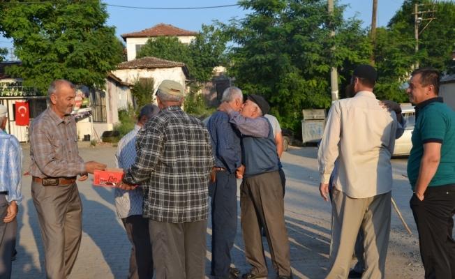 (Özel haber) Depremzedeler bayramı çadır camide karşıladı
