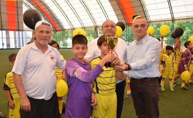 U-11'lerde şampiyon Soma 301 Karaelmasspor