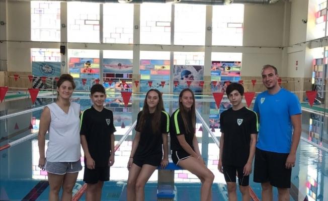 Manisalı yüzücüler İstanbul yolcusu