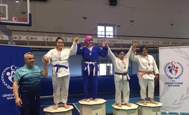 Salihlili judocular Manisa'da parladı