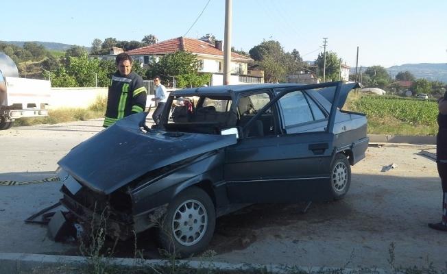 Süt toplama kamyoneti ve otomobil çarpıştı: 1 yaralı