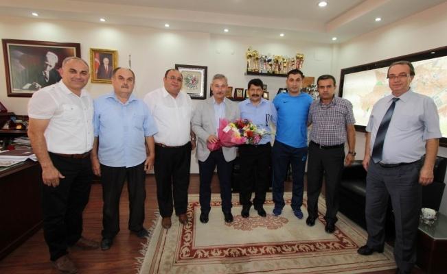 Başkan Yaralı'dan amatör spor kulüplerine destek sözü