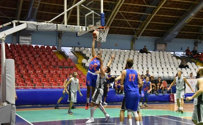 Basketbolcular hazırlık maçında göz doldurdu