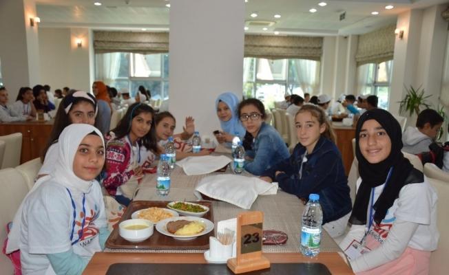 Elazığlı öğrenciler Manisa'da