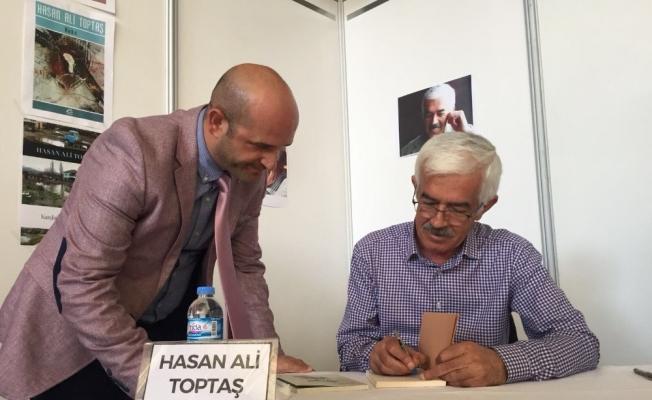Hasan Ali Toptaş kitapseverlerle buluştu