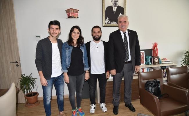 Manisa Büyükşehir'den MCBÜ BESYO'ya spor desteği