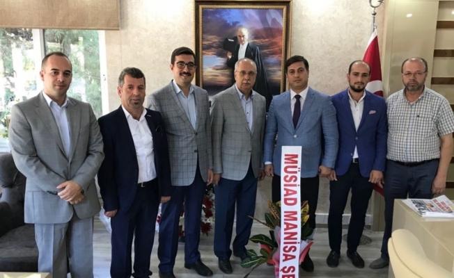 Manisa MÜSİAD'tan Öztürk'e 'hayırlı olsun' ziyareti