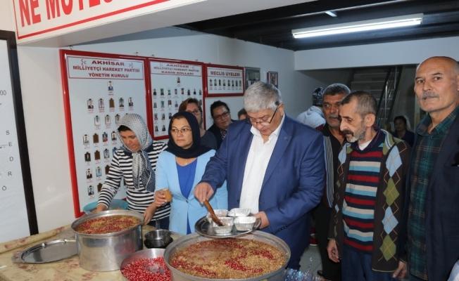 MHP Akhisar İlçe Teşkilatından aşure hayrı