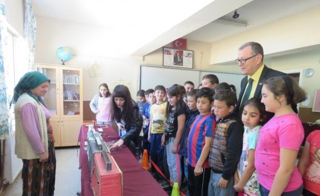 Sarıgöl'de öğrenciler için sınıf müzeye çevrildi
