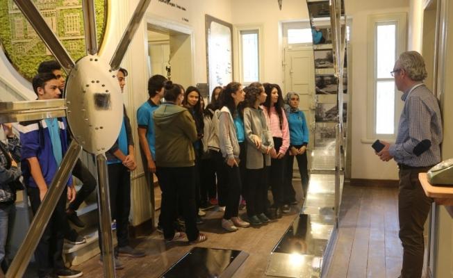 Turgutlu Kent Müzesi ziyaretçilerini ağırlamaya devam ediyor