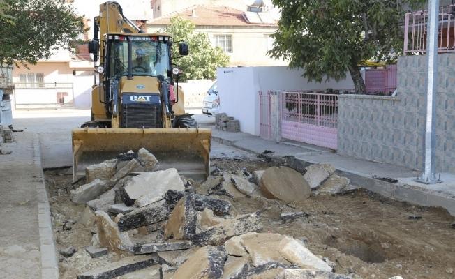 Turgutlu sokaklarında yenileme sürüyor