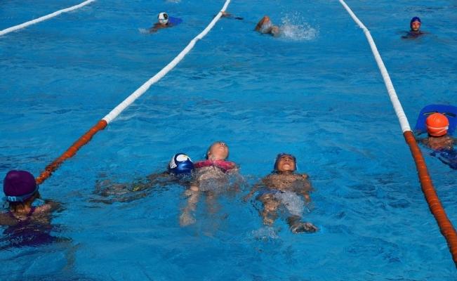 Yunusemre'de kış dönemi yüzme kursu başlıyor