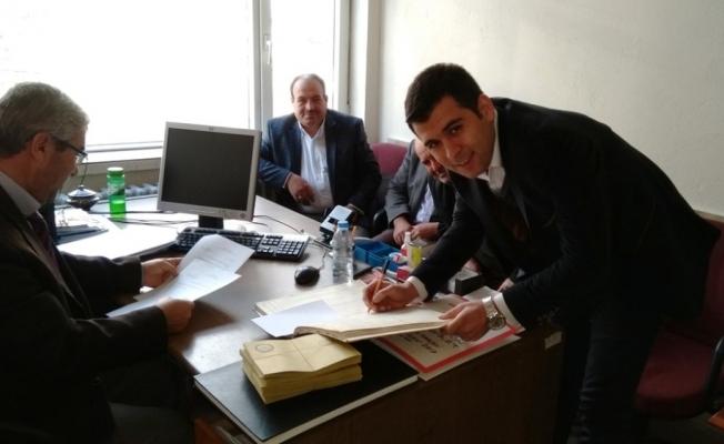 AK Parti Selendi İlçe Başkanı Kaçar mazbatasını aldı