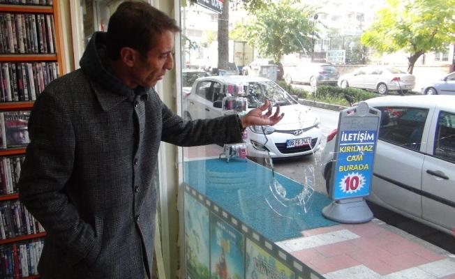 MHP'li ilçe başkanının dükkanı kurşunlandı