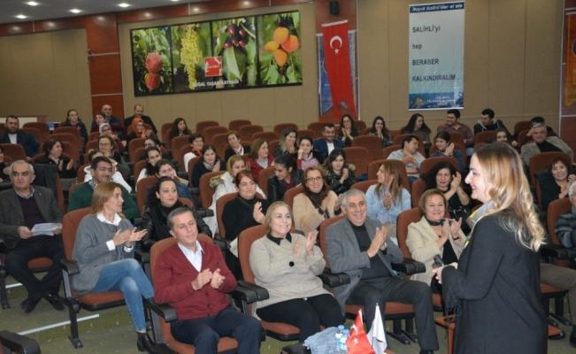 Salihli TSO Kadınlar Birliği'nden 'Etkili Anne-Baba Tutumları' konferansı
