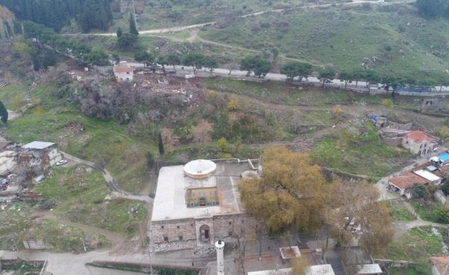 Manisa'daki en eski Türk eseri olan Ulu Caminin heybeti ortaya çıkıyor