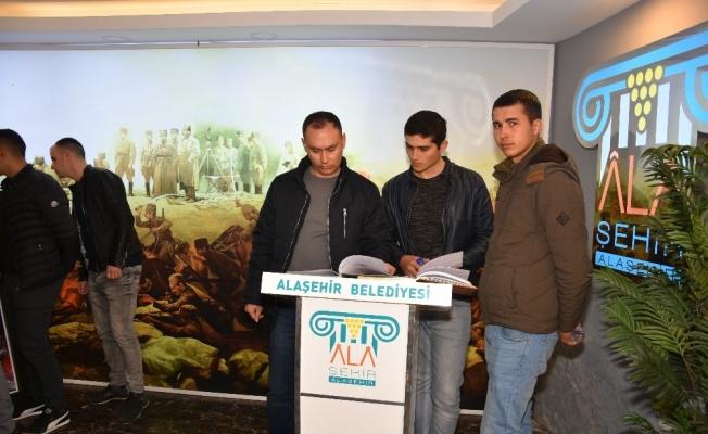 Mehmetçiklerden Şehitlik Anıtı ve müzeye ziyaret
