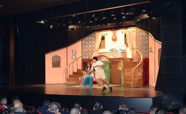 Şehir Tiyatrosundan özel gösterim