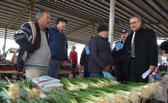Başkan Karaçoban'dan gazi babasına pazaryerinde ziyaret