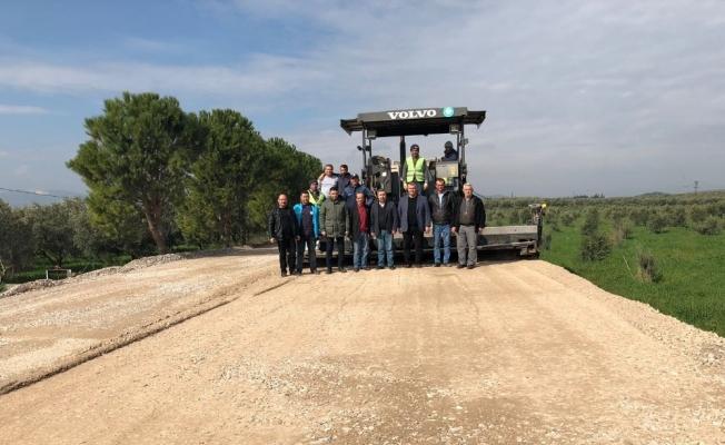Manisa Büyükşehir'den ilçelerde asfalt çalışması