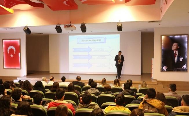 Manisa'da öğrencilere yeni sınav sistemi anlatıldı
