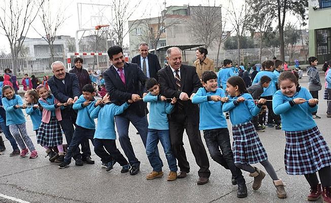 Okullar geleneksel çocuk oyunlarıyla şenleniyor projesi