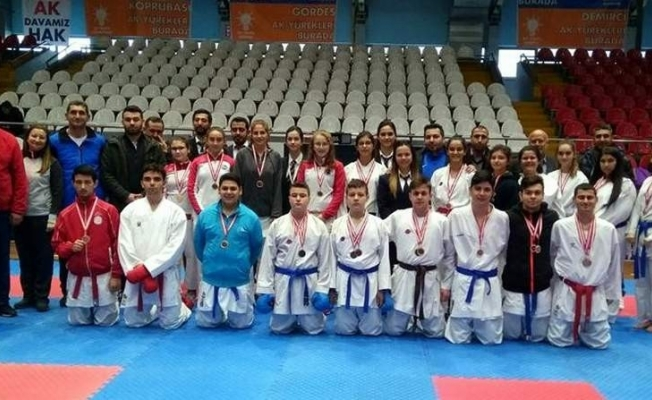 Okullar arası karate il birinciliği müsabakaları yapıldı
