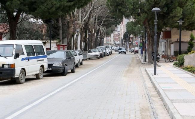 Saruhanlı'nın en işlek caddesi yenilendi