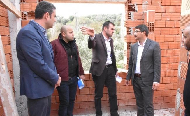 Belenyenice Mahallesinde çok amaçlı salon hızla yükseliyor