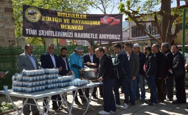 Manisa'daki Bitlislilerden şehitler için hayır
