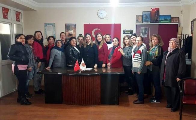 Salihli MHP Kadın Kolları'nda başkan değişti