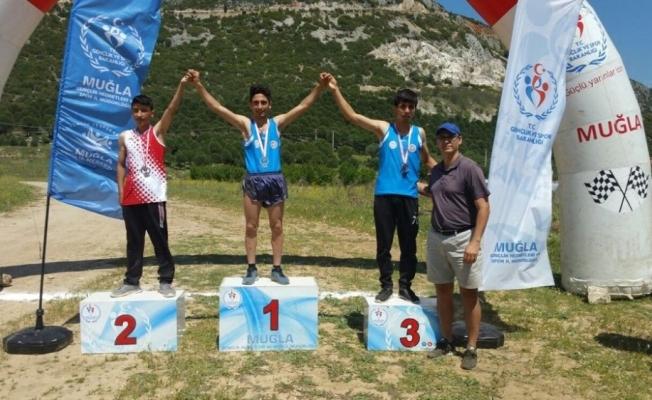 Atletizimde bölge şampiyonu Yunusemre'den